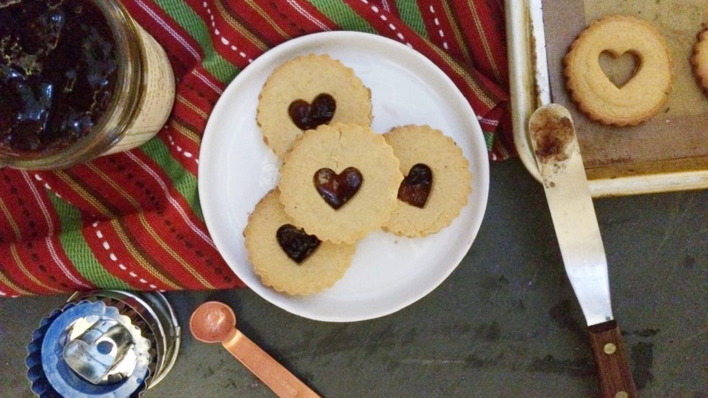 Low Carb Vegan Linzer Cookies | Meat Free Keto - a sugar free, keto friendly version of this classic Christmas cookie!