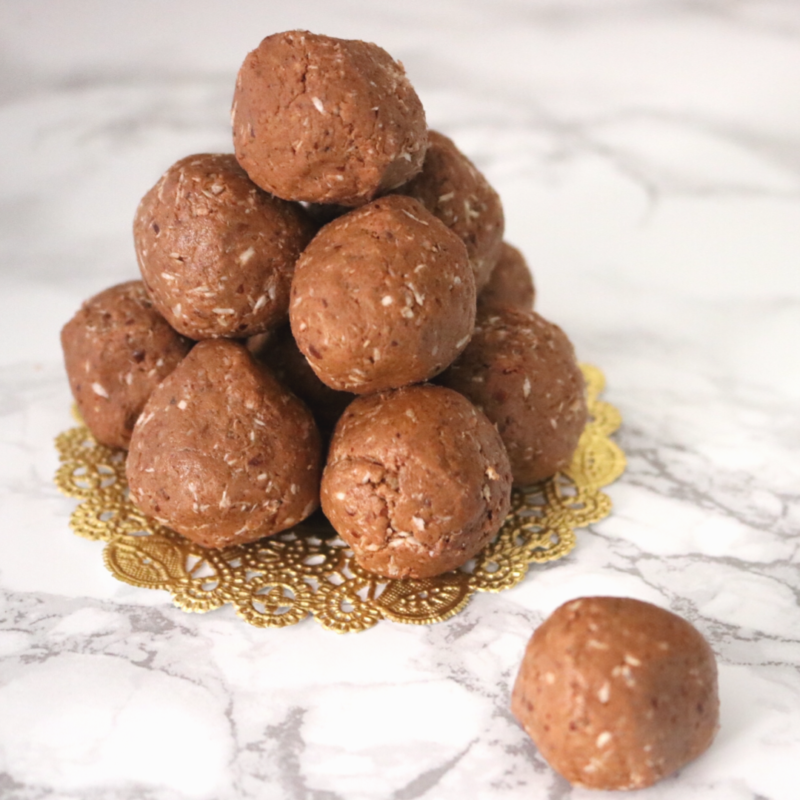 Peanut Butter Chocolate Low Carb Vegan Protein Balls